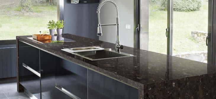 Einfach Perfekte Granit Arbeitsplatten